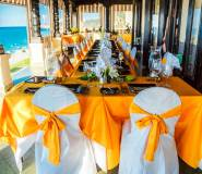 <p>Xanad&uacute; Restaurant has a banquet module for groups of 120 clients. La Terraza Room, with sea view, has a capacity for 50 diners, The Red Room, the Mansion&#39;s original dining room has capacity for 32 diners, and the Lobby&#39;s Main Hall has a capacity for 100 diners.</p>